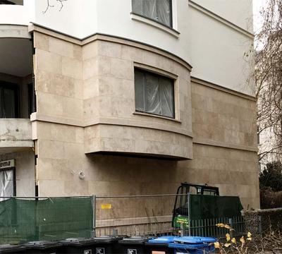Stadthaus Fasanenstraße 63, Berlin-Wlmersdorf 2018, Travertin Bauhaus, geschliffen C120