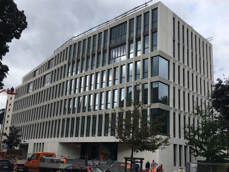 Gülden Office Braunschweig 2017 - Glasfaserbeton weiß
